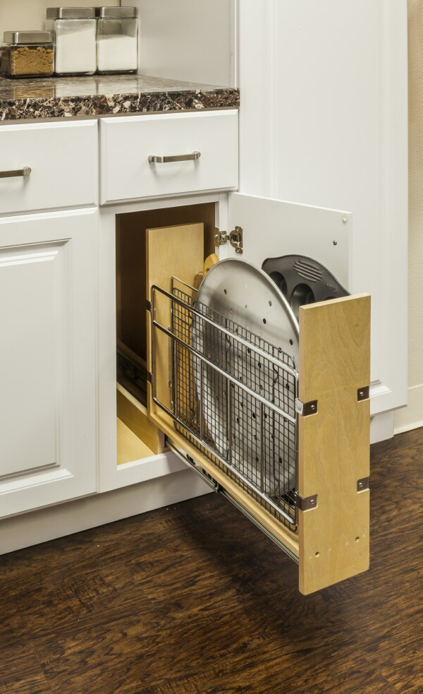 Cabinet Pullout With Tray Divider