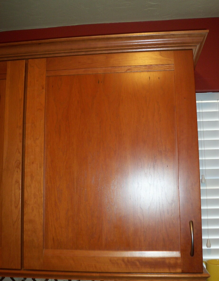 A single cabinet door is easiest to measure for hinge overlay