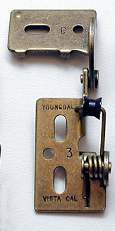 Youngdale #3 hinge in Antique Brass